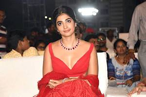 Pooja-Hegde-at-Maharshi-Vijayotsavam looking very hot